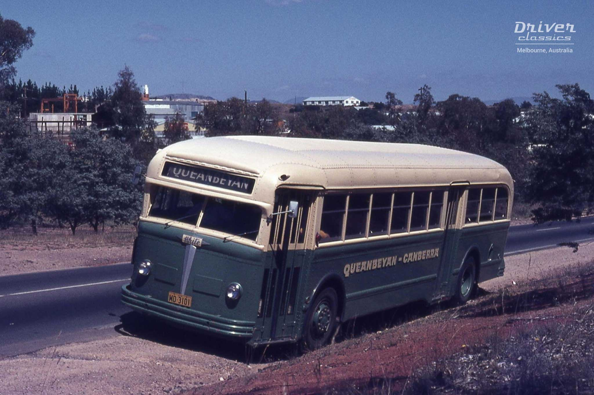 White 798-12 bus, 1948 model, in original 1950s paint colours