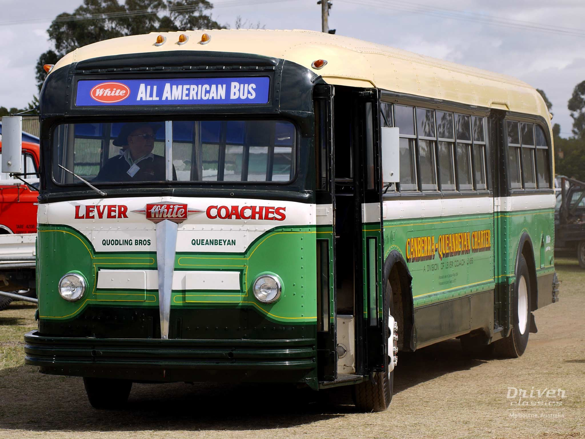 White 798-12 bus, 1948 model