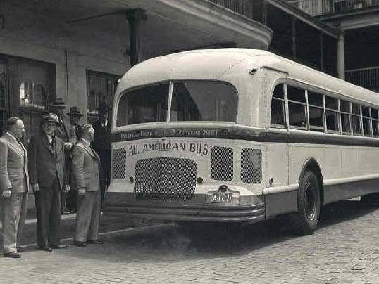 White brand bus, 798-12 model, 1948 version, photo taken 1950