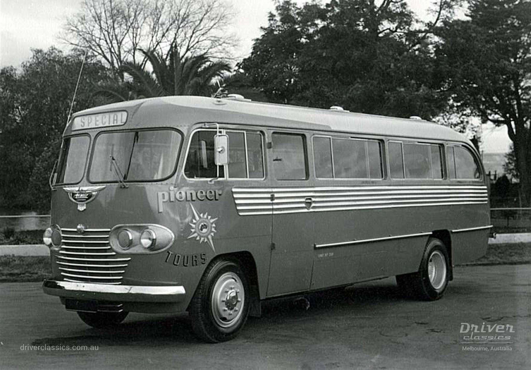 Ansair Commer Avenger Bus (1949 Model) 'Scenic Clipper'