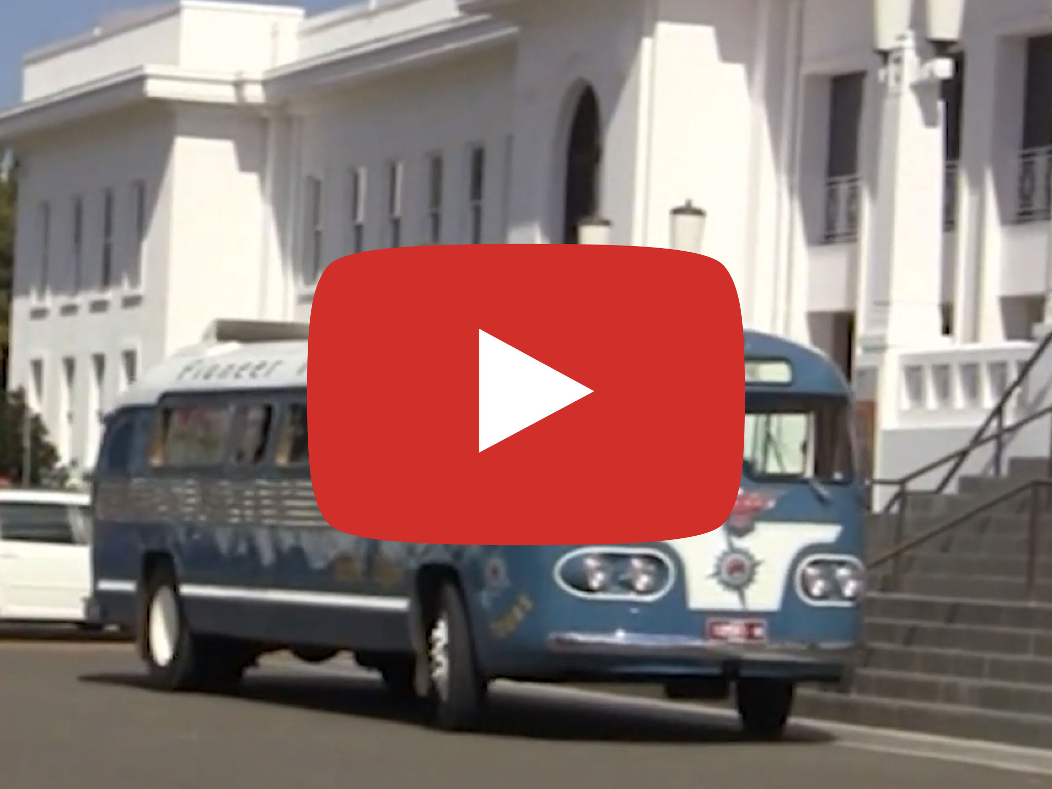 Flxible Clipper bus, 1954 model, Driving in Canberra ACT, Video taken by David Kemp in 2015