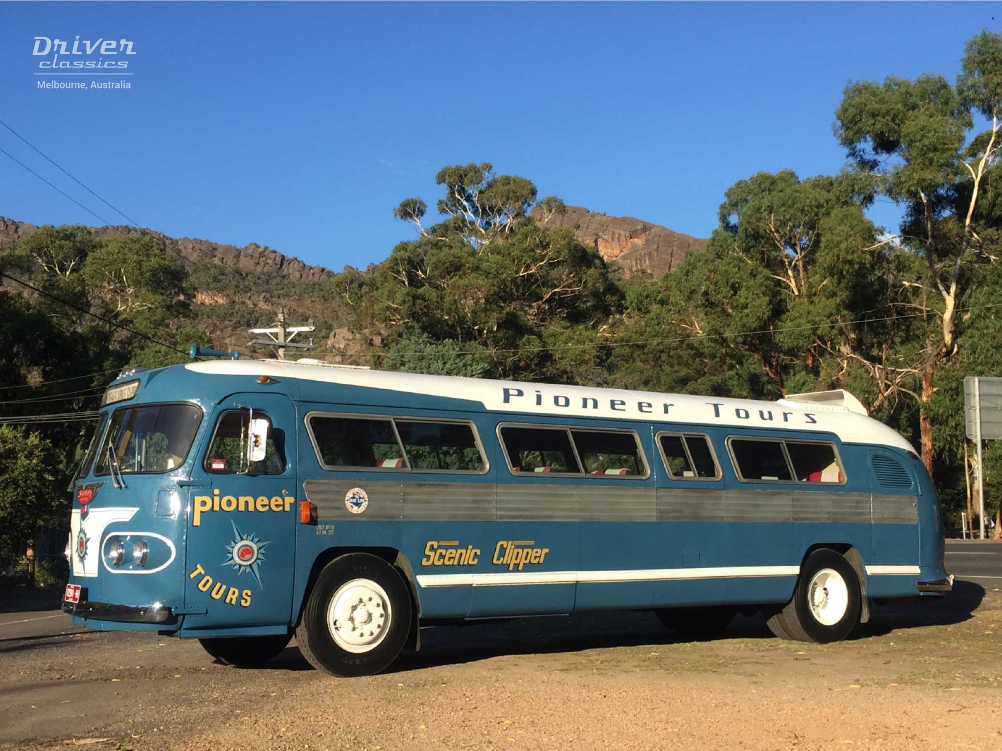Flxible Clipper bus side and front, 1954 version, at Halls Gap, Grampians VIC, March 2018
