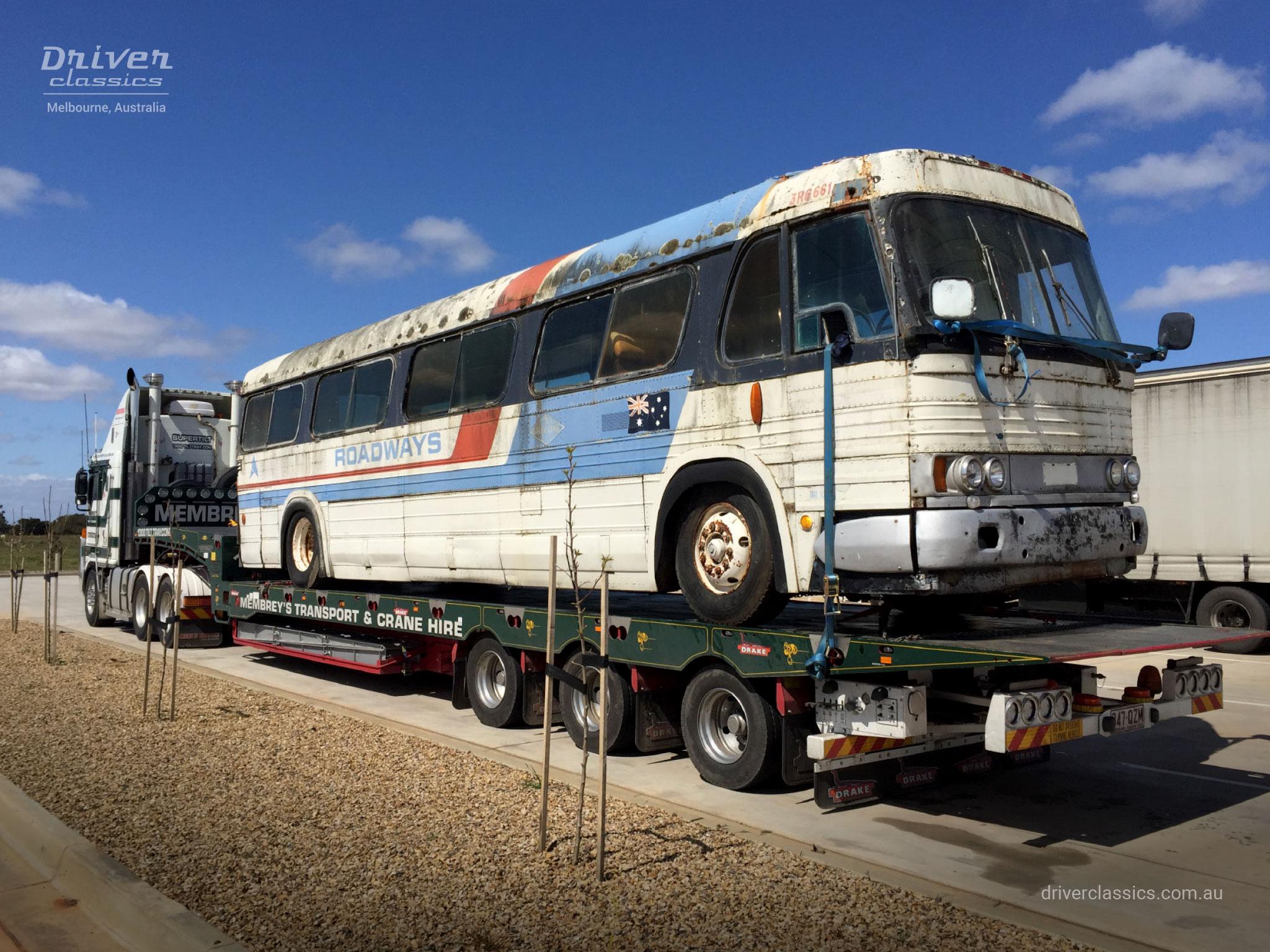 GM PD-4106 bus (1965 model), parts bus on back of truck, Photo taken September 2015