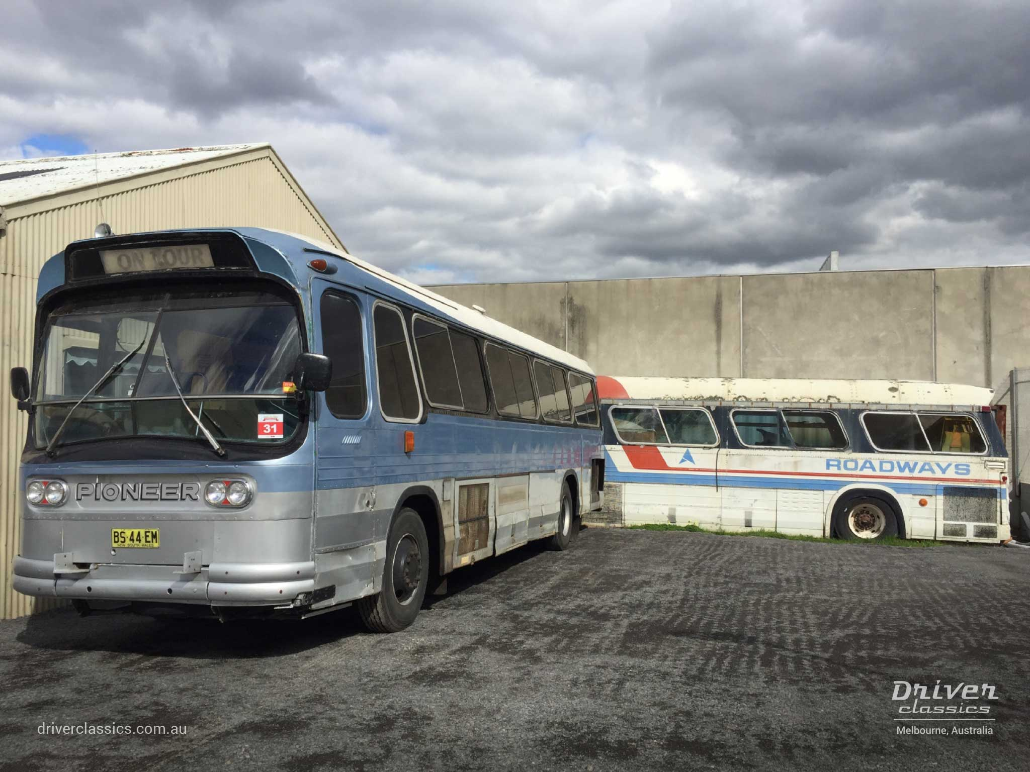 Ansair Scenicruiser bus, GMC 1967 version, with GM PD4106 bus in background, Mt Waverley, August 2018