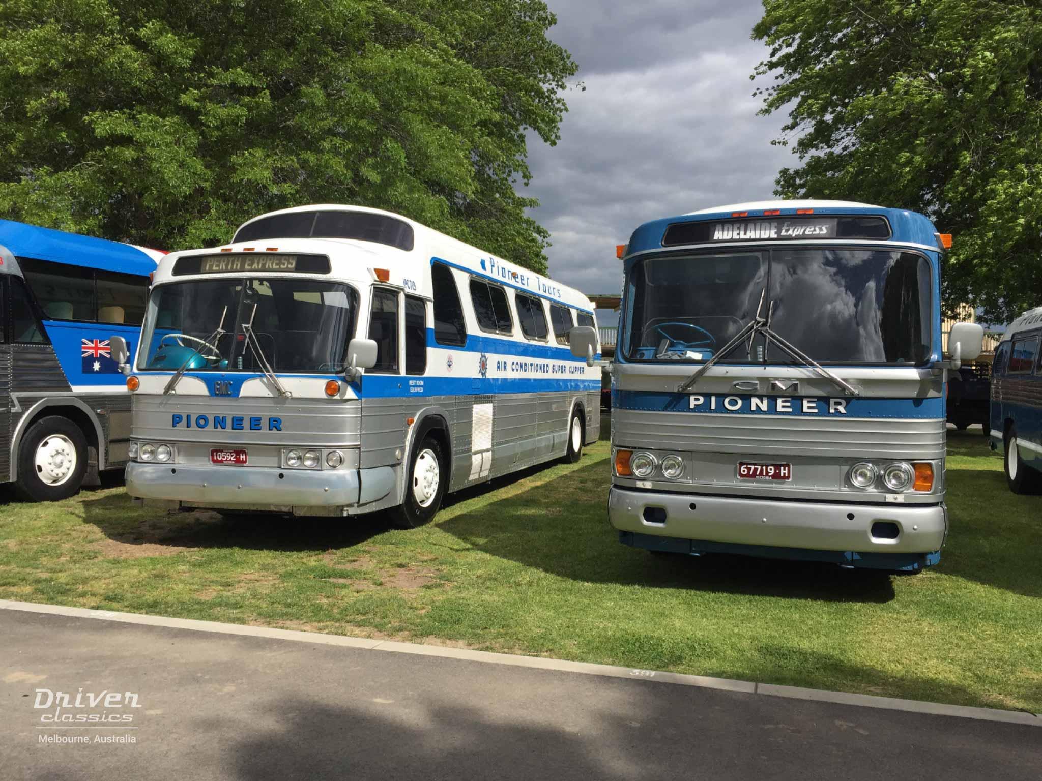 GMC PD 4107 bus