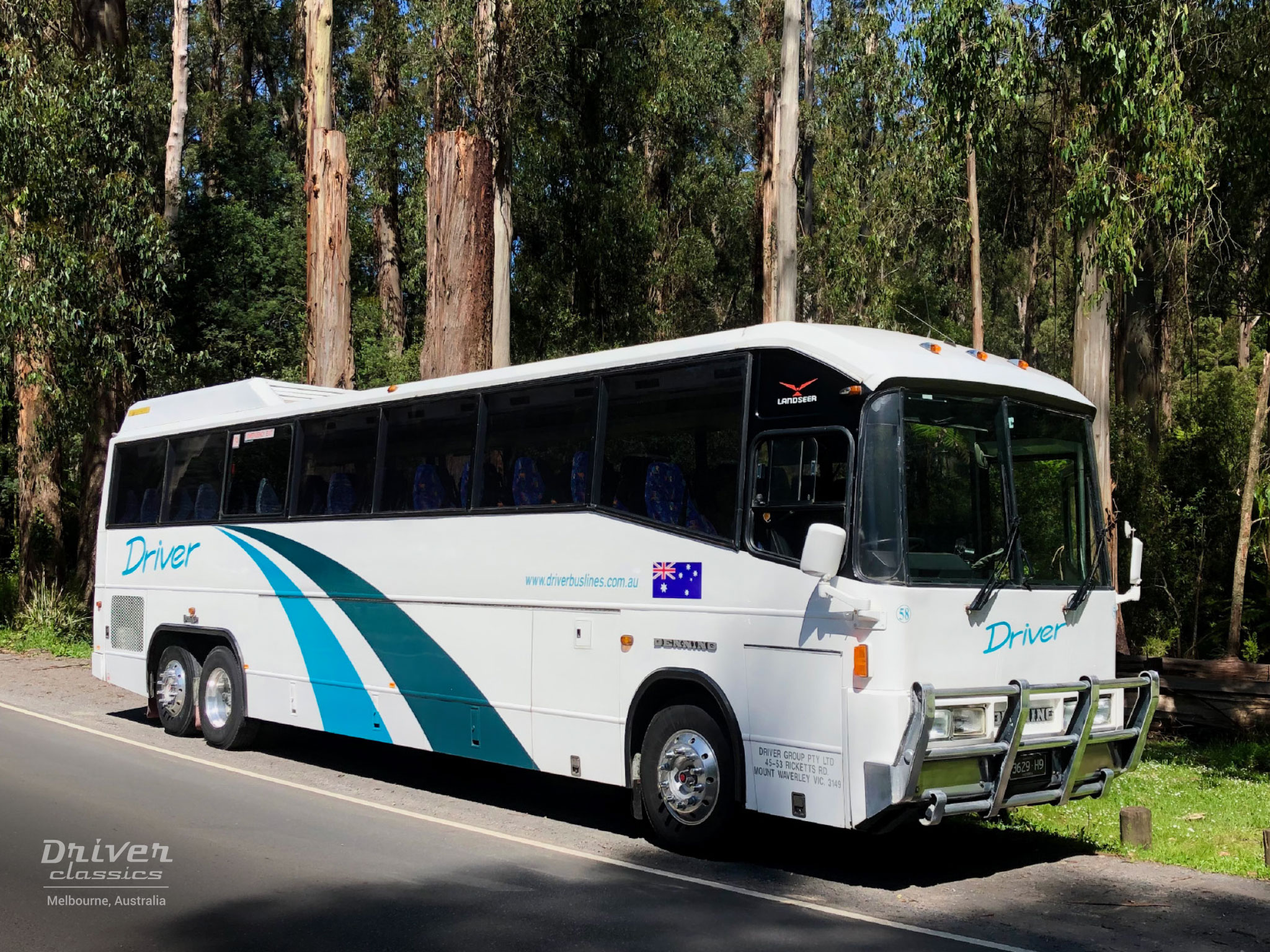 Denning Landseer Bus, 1988 model, front right, at Dandenong Ranges VIC, Photo taken November 2020
