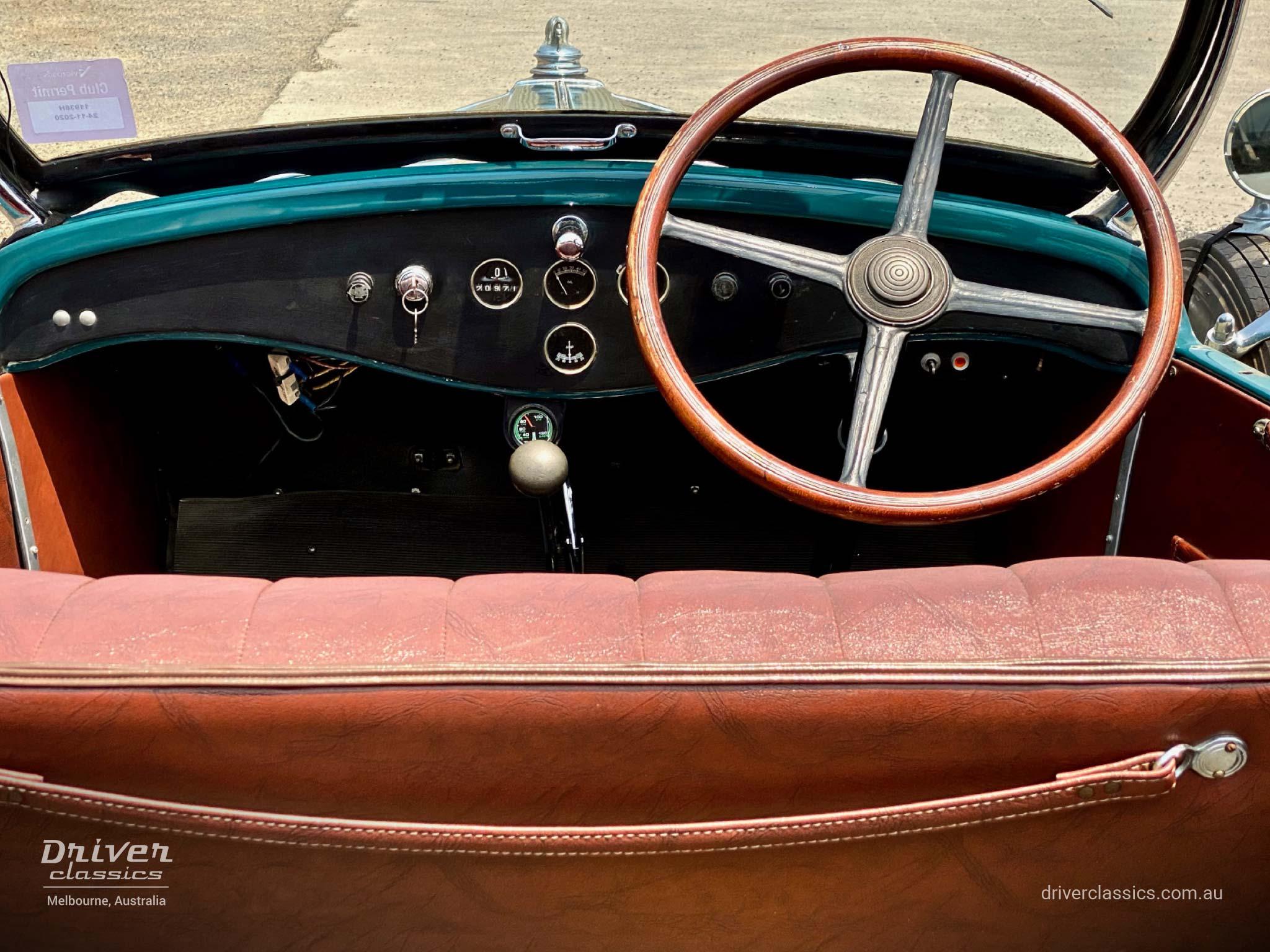 1929 Pontiac 29-6 car, dashboard, photo taken December 2019