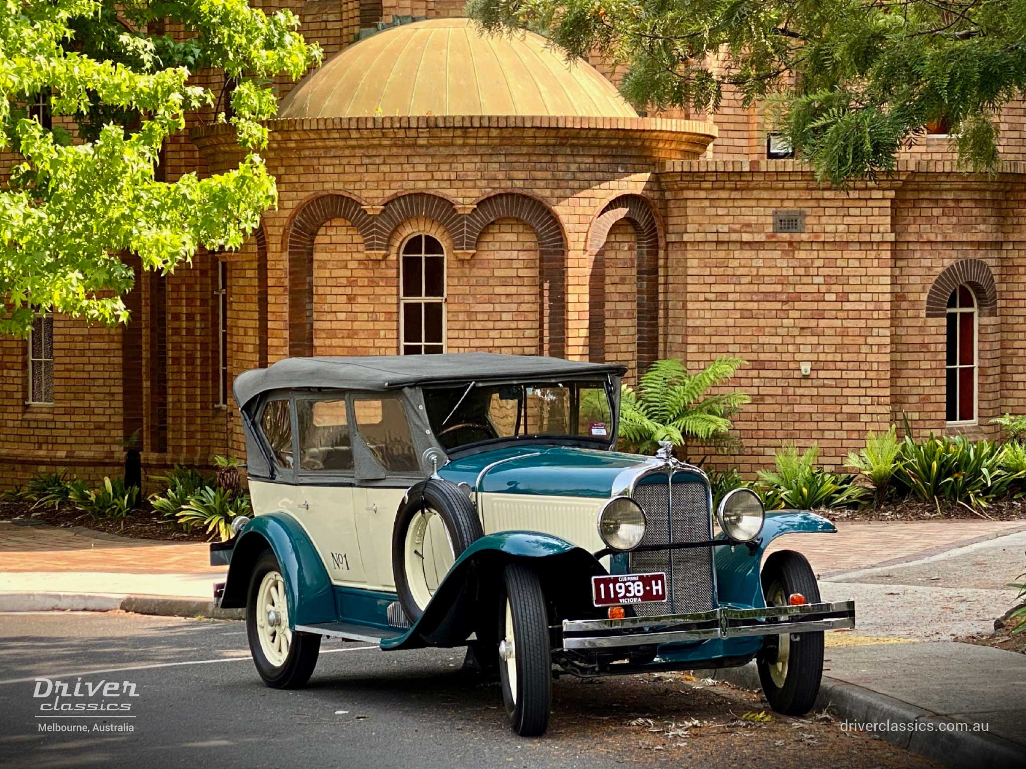 1929 Pontiac 29-6 car, front and side, Camberwell VIC, photo taken December 2019