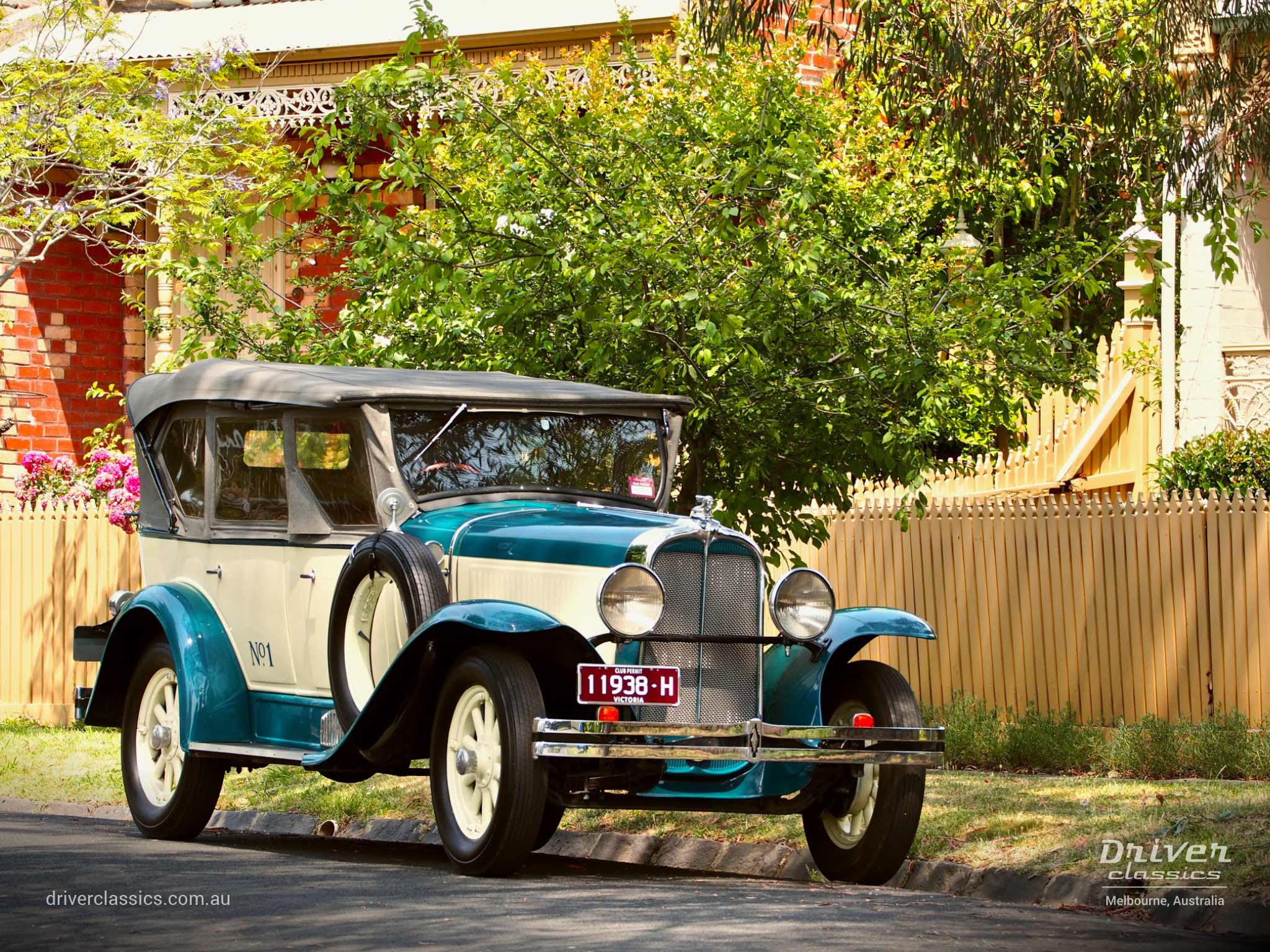 1929 Pontiac 29-6 car, front and side, picket fences, Camberwell VIC, photo taken December 2019