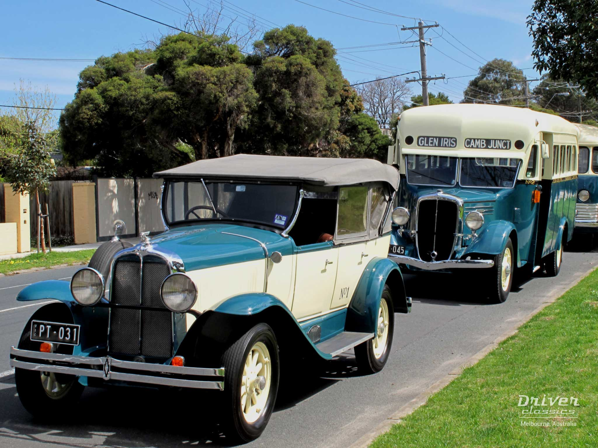 1930 Pontiac in front of 1936 Federal Bus and 1947 Bedford OB