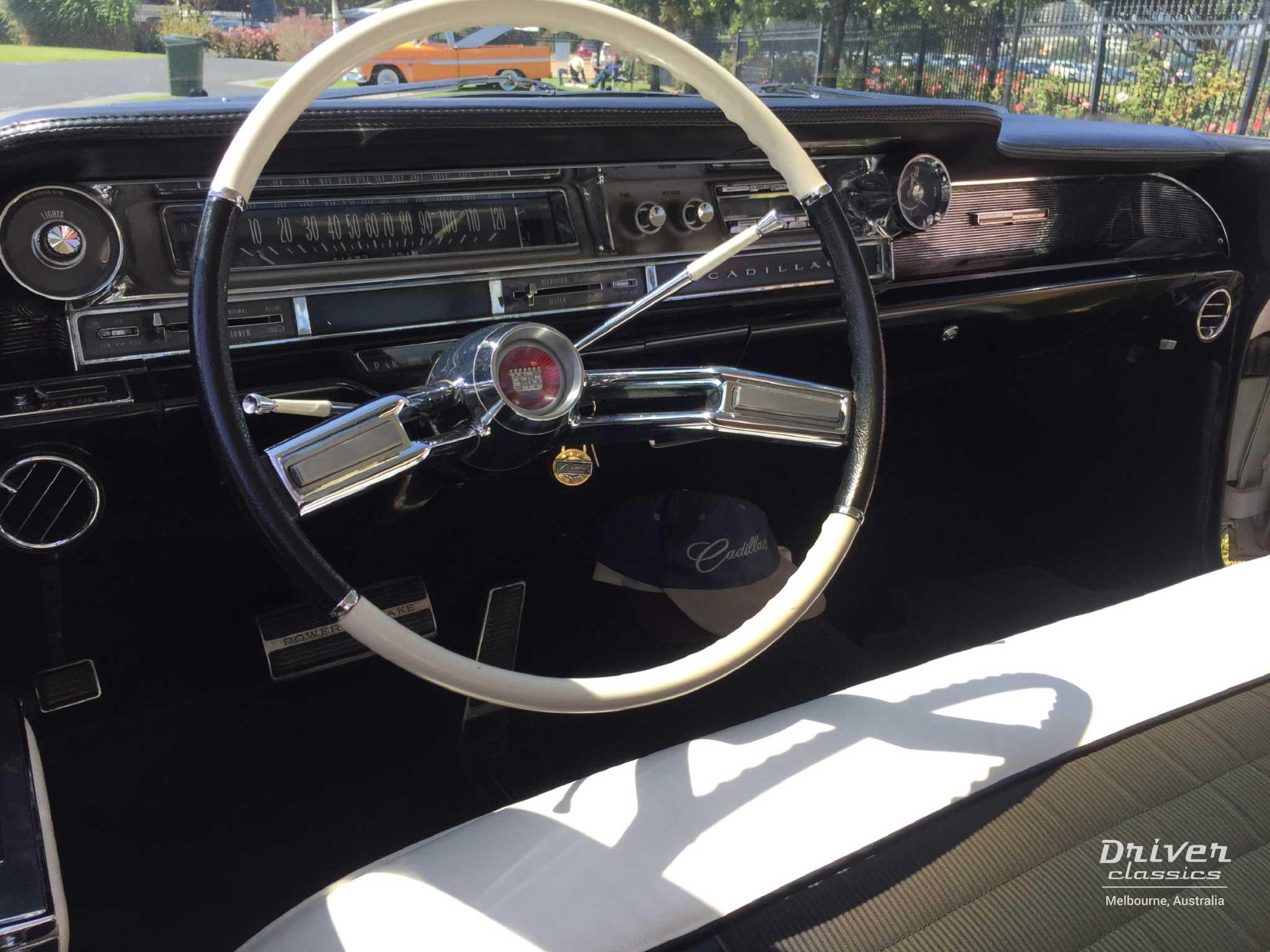 1961 Cadillac Coupe de Ville dashboard