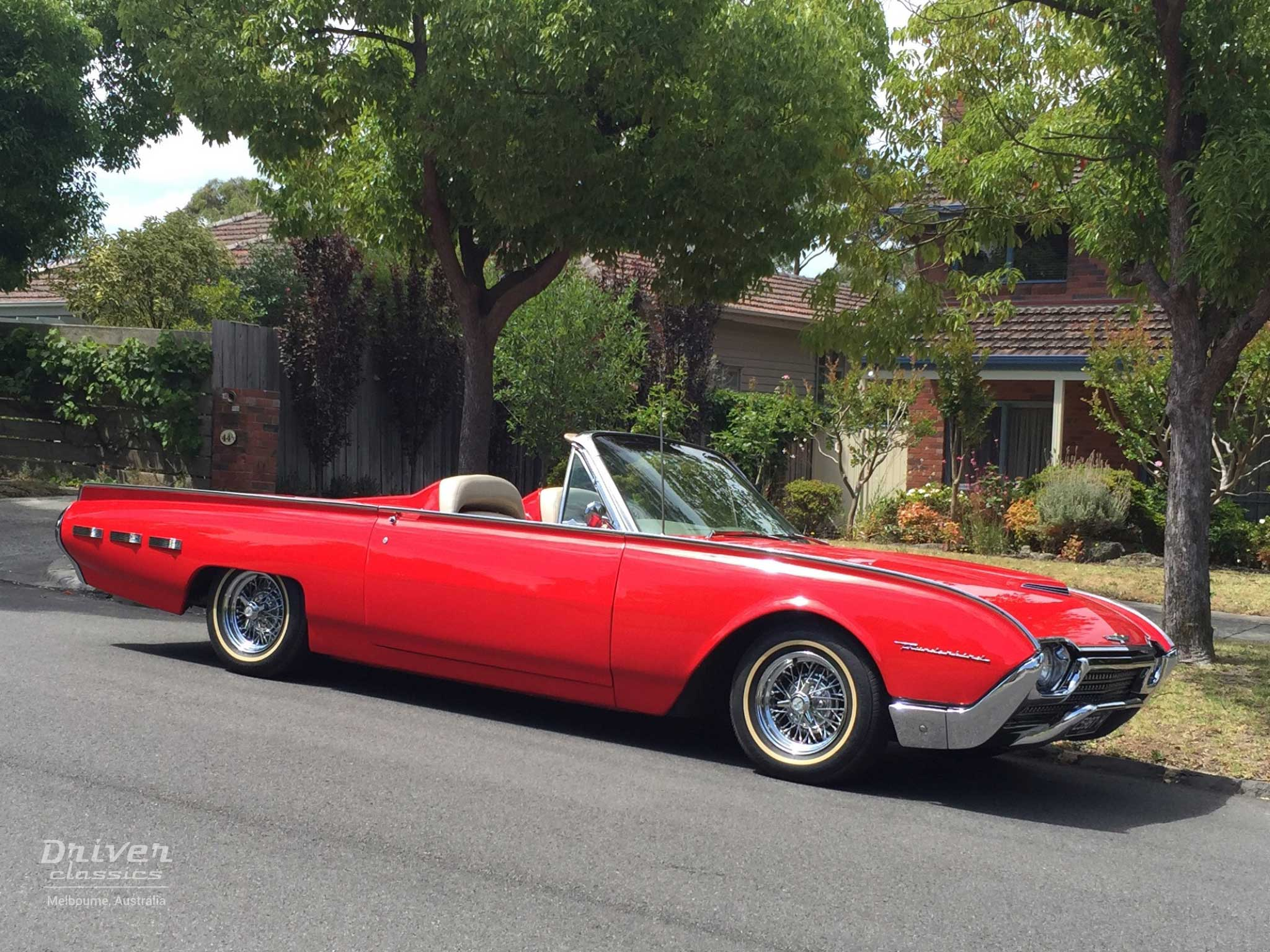 1962 Ford Thunderbird Roadster front and side