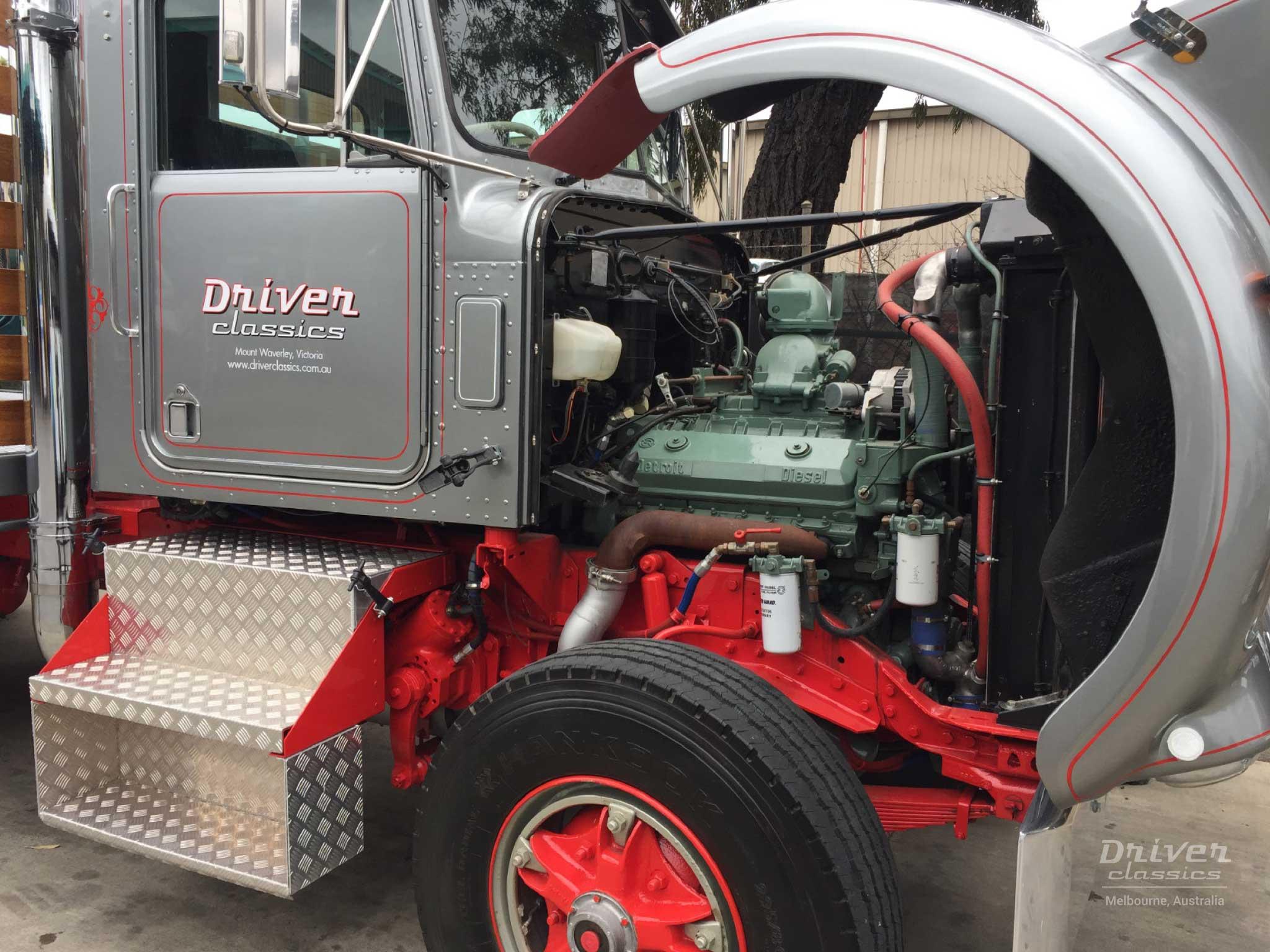Kenworth W925 Engine